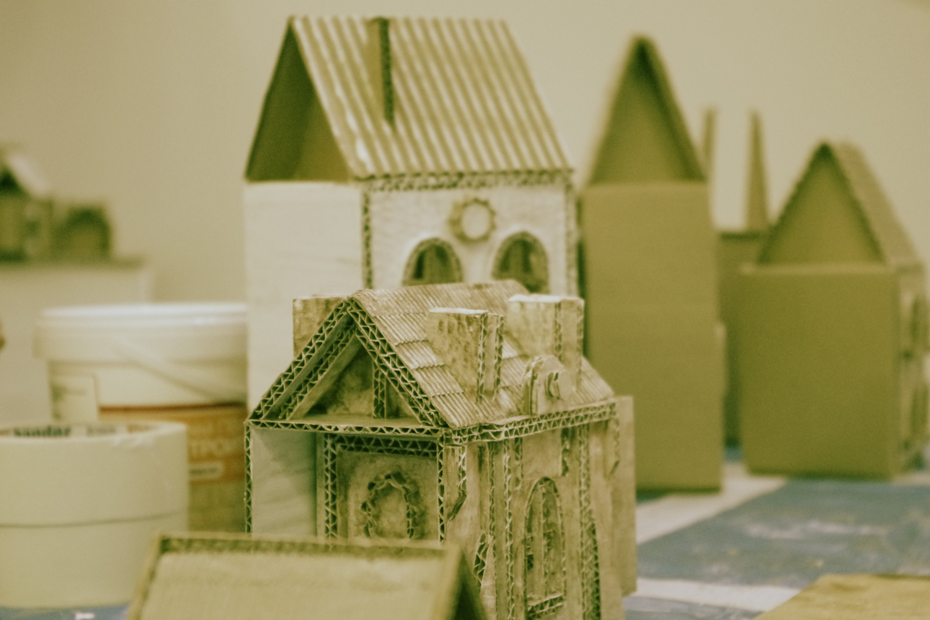 Картонный дом своими руками мастер класс