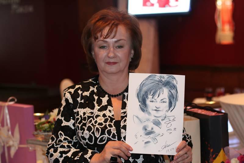 шаржист рисую шаржи и портреты