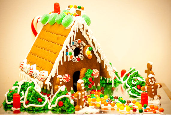 gingerbread_house_etsy